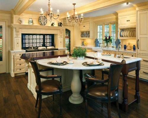 Küchen Designs klassisch einrichtung warm ambiente kronleuchter