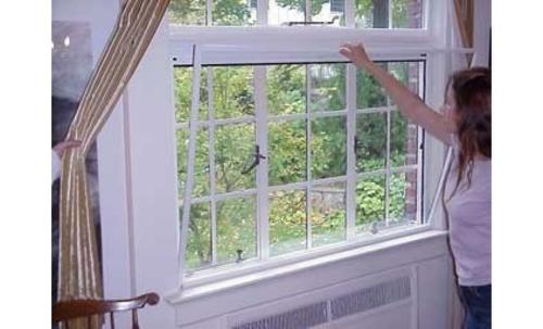 Lärmbelästigung zu Hause gemindert werden weiß fensterrahmen