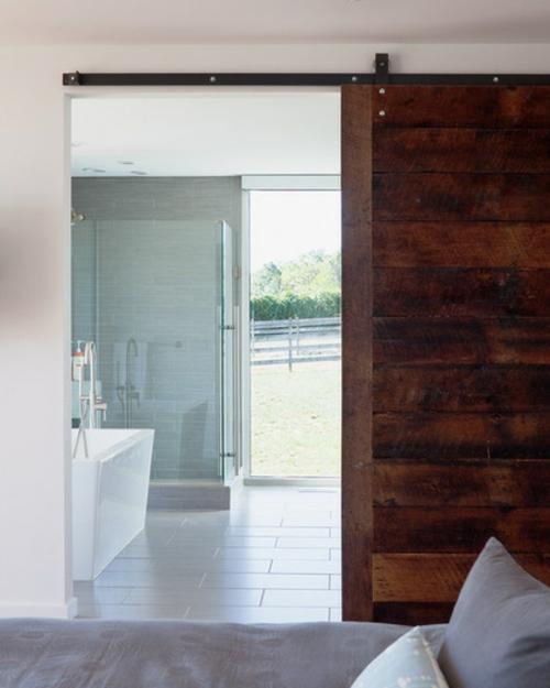 Trennwand Aus Holz Im Schlafzimmer: Modernes Und Traditionelles In Einem