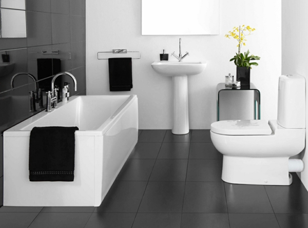 moderne badezimmer ideen luxus komfort badewanne schwarz wei design - Modernes Luxus Badezimmer