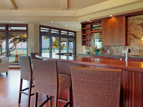 Residenz auf Hawaii mit einem sehr kreativen Design küche holz rattan
