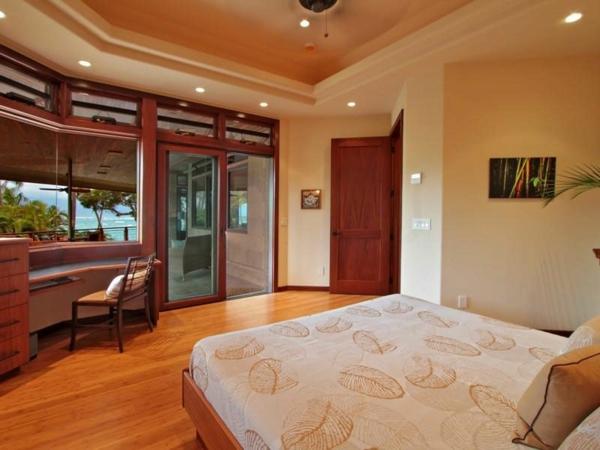 Immobilie auf Hawaii mit einem sehr kreativen Design pool doppelbett