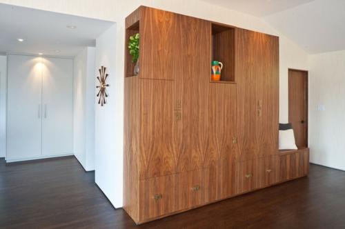 sparen sie raum dank wandregale aus holz. Black Bedroom Furniture Sets. Home Design Ideas