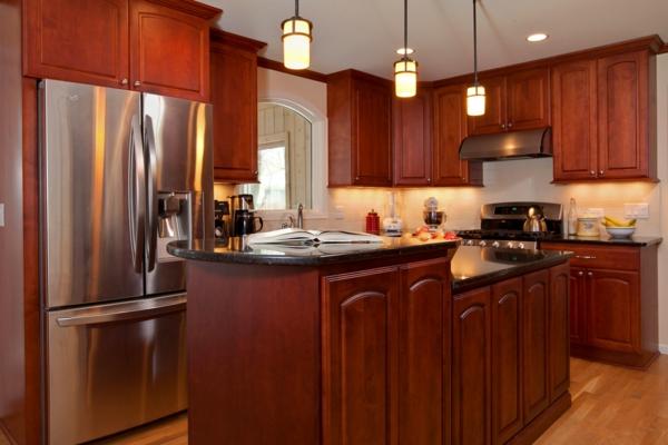 absolutes no-go der renovierung stilvolle pendellampen glänzende küchengeräte