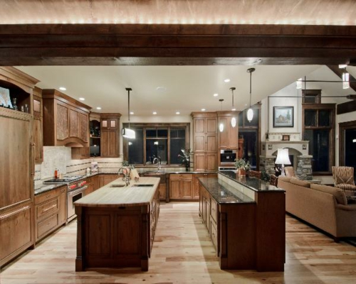 arbeitsplatten küche spülen pendelleuchten schrank fußboden