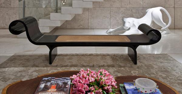 ausgefallenes Interior Design - Akzent setzende Stühle couch