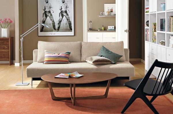 ausgefallenes Interior Design - Akzent setzende Stühle couchtisch
