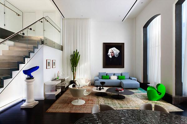 ausgefallenes Interior Design - Akzent setzende Stühle grün