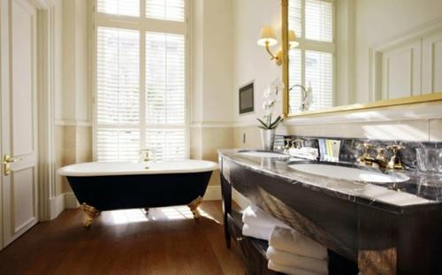 badewanne schwarz oberfläche klassisch ornamente badezimmer waschbecken