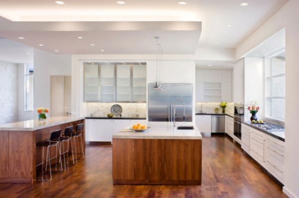blanco haus in texas minimalistisch in der küche dunkles holz und marmor