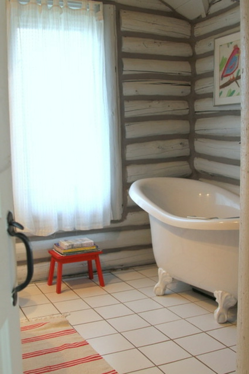 blockhaus aus holz klassisches design der badewanne