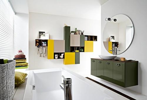 coole-Bilder-von-Badezimmern-weiß-gelb-grün-glanzvoll-rund-spiegel