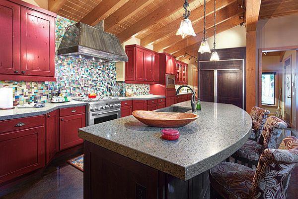 coole farbe für die küche traditionell dunkel rote schränke marmor oberfläche