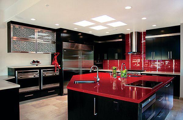 Coole rote farbe für die küche mit schwung   frech und stylisch