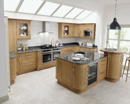 dachfenster natürliches licht küche einrichtung holz