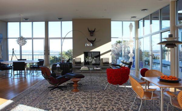Moderne Interiors bieten das zeitlose Eames Lounge Chair