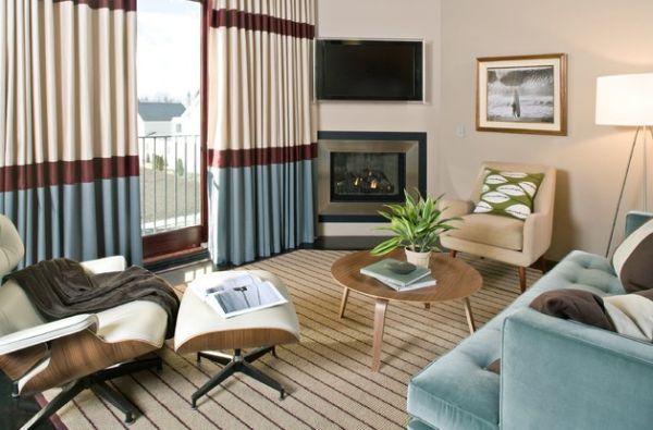 Das Zeitlose Eames Lounge Chair Kompaktes Behagliches Zimmer Blau