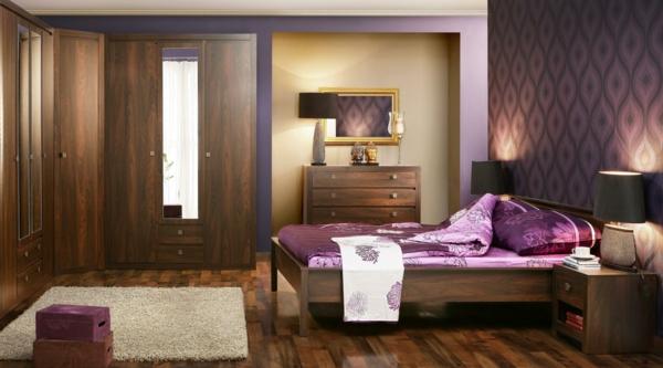 das zuhause gemütlich einrichten dunkles holz schlafzimmer satinbettwäsche