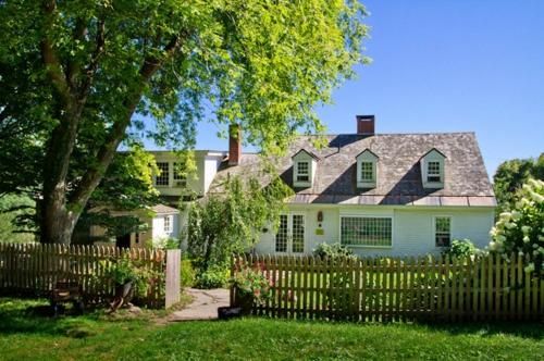 das zuhause schöner einrichten außenbereeich gartenzaun eingang