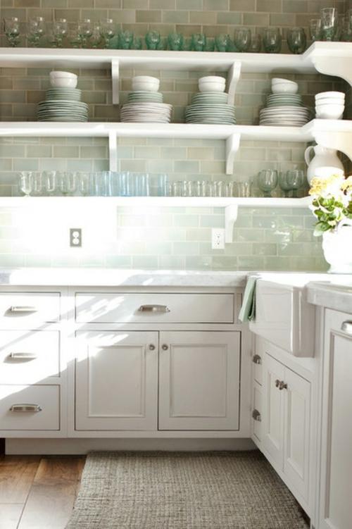 das zuhause schöner einrichten küche fliesen teller regale