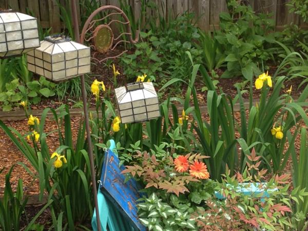der slow gardening trend ausgefallene laternen