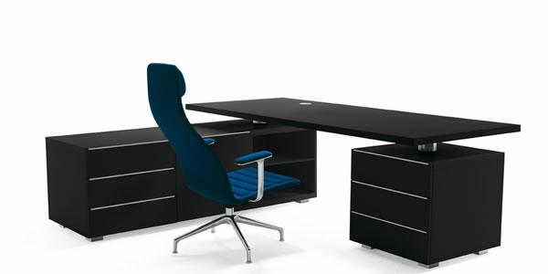 Eckschreibtisch schwarz holz  Der stilvolle und zeitgenössische Schreibtisch von Cappellini