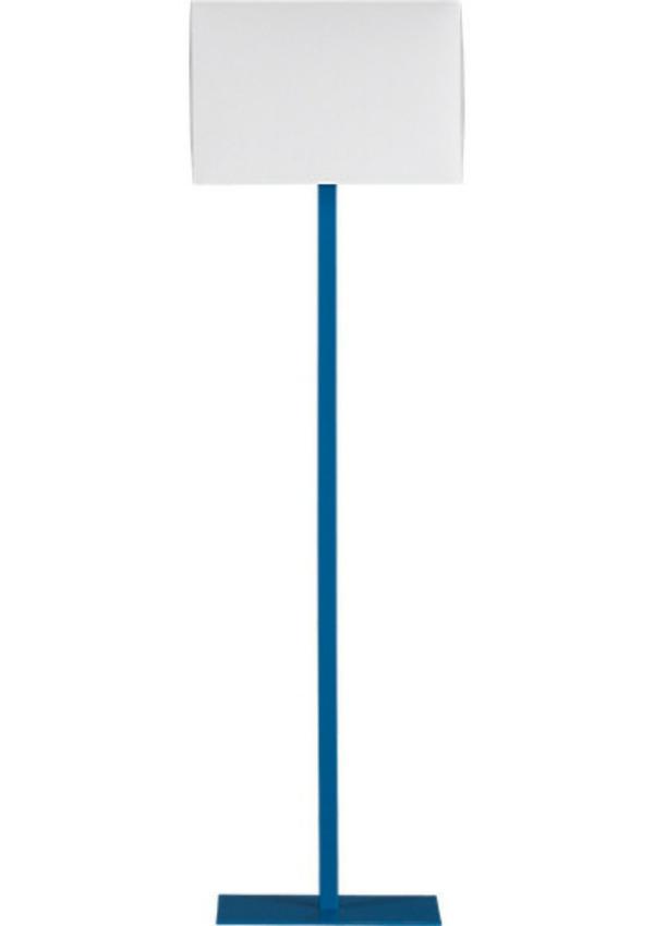 Stehlampe gezeichnet  Designer Artikel in Kobaltblau – ein beliebter Akzent im Innenraum