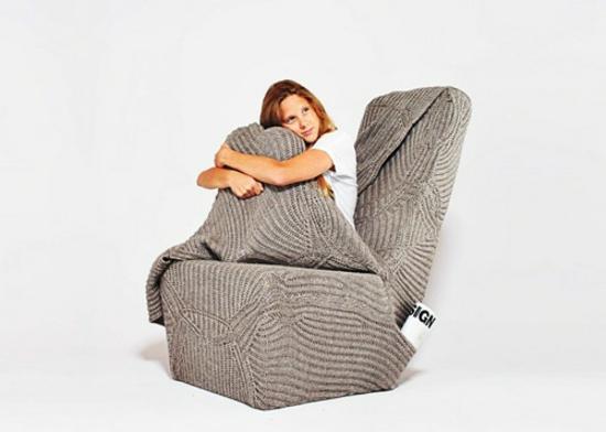 designer stuhl mit wolldecke kuschelig warm