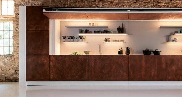 die hidden kitchen nahaufnahme mit tollem geschirr