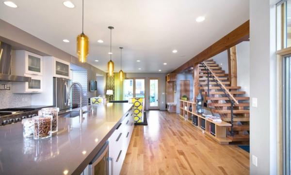 die perfekten pendelleuchten modern aus gelbem glas denver shield house