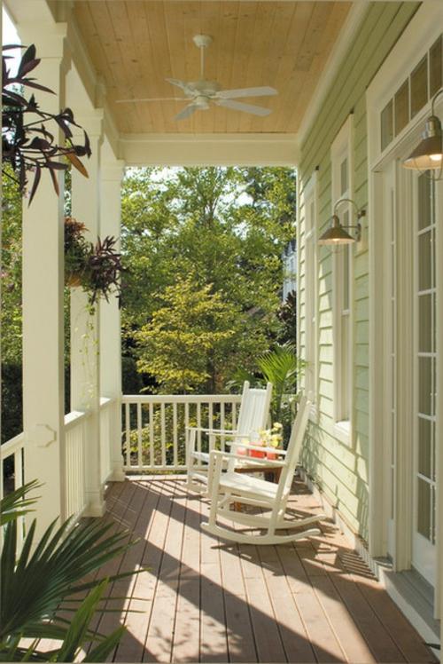 die veranda im sommer gestalten geländer weiß holz