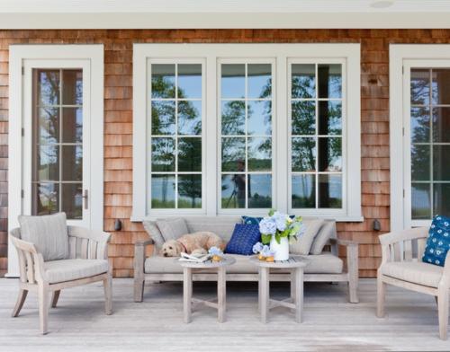 die veranda im sommer gestalten sitzecke bequem sofa sessel auflagen