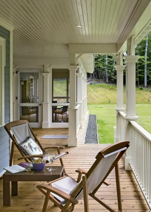 die veranda im sommer gestalten sitzplatz natur umgebung