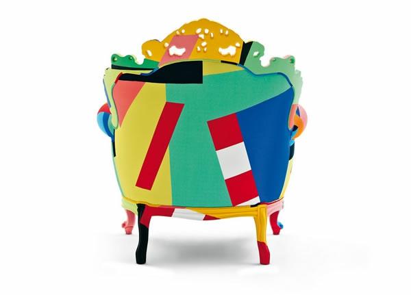 elegantes sessel design von hinten aufgenommen farbenfroh und ausgefallen