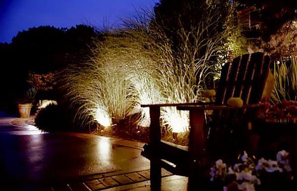 faszinierende beleuchtung im garten ein kleines paradies. Black Bedroom Furniture Sets. Home Design Ideas