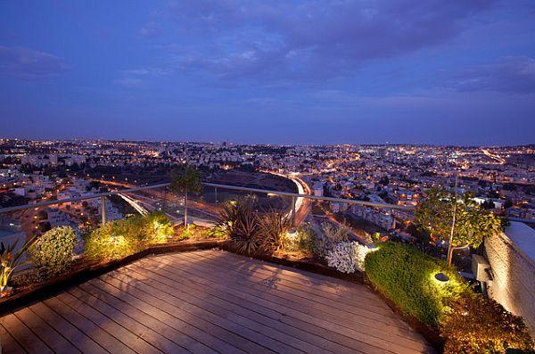 Faszinierende Beleuchtung Im Garten - Ein Kleines Paradies Im Freien Garten Auf Der Dachterrasse