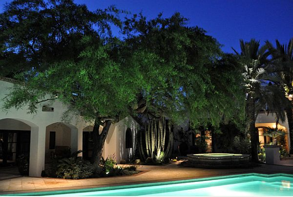 faszinierende beleuchtung im garten exterior pool