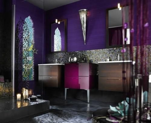 feminine lila nuancen badezimmer orientalisch motive akzente fliesenspiegel