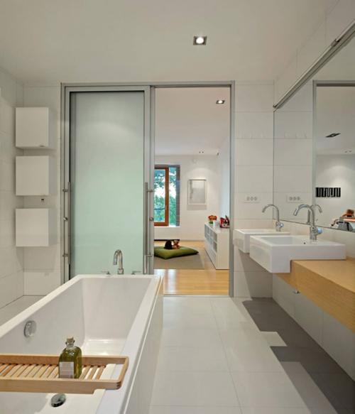 fliesen badewanne schiebetür badezimmer cool waschtisch