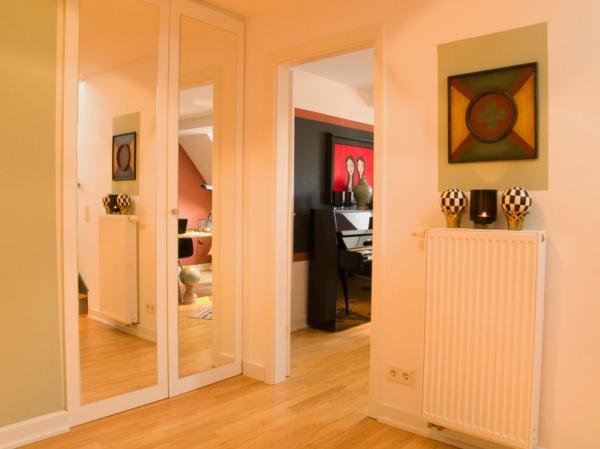 gewagte einrichtung für penthouse wohnung spiegelgarderobe in weiß