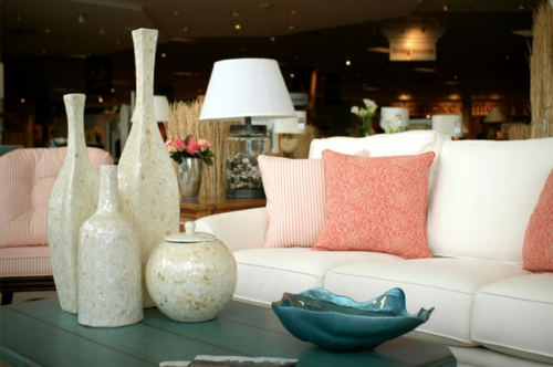haus interior design zubehör vasen dekorativ sofa