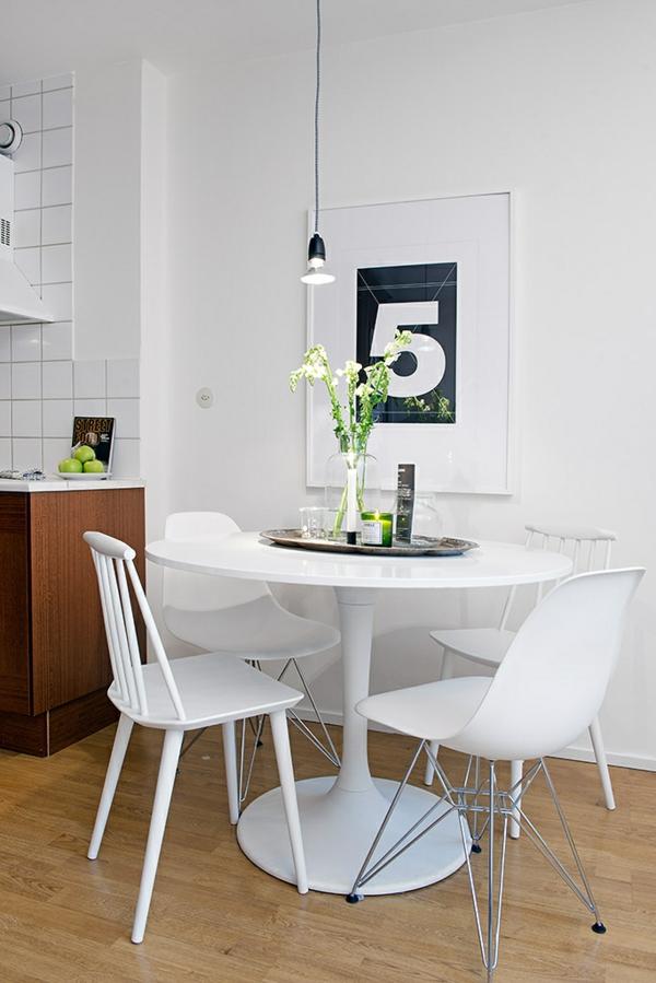 helles gemütliches apartment essecke stuhl tisch