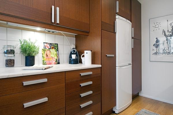 helles gemütlich möbliertes apartment küche  holz einrichtung