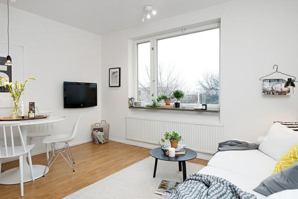 helles gemütlich möbliertes apartment weiß einrichtung holz