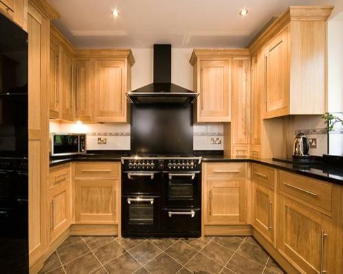 holz eingebaut küche möbel kochherd schwarz