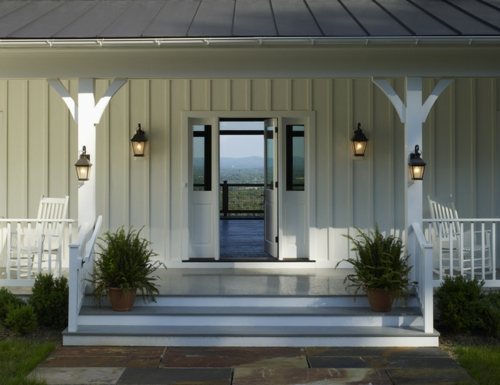 interior design im landhausstil einrichten eingangstür wandlampen