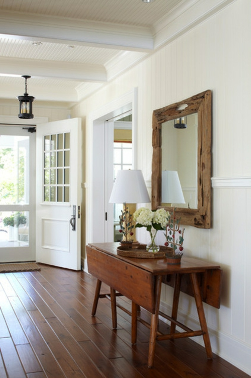 interior design im landhausstil einrichten weiße ausstattung wandspiegel