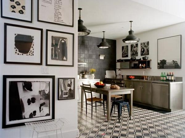 küche upgraden klassisch einrichtung bodenbelag wandbilder schwarz weiß
