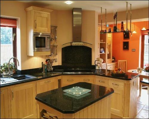 küchen einrichtung desgin holz oberflächen schwarz platte