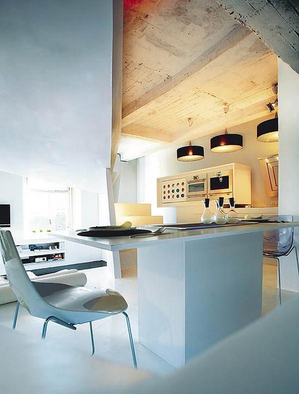 kleines designer apartment küche arbeitsplatte lampen